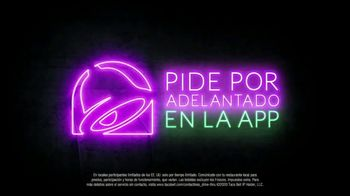 Taco Bell $5 Chalupa Cravings Box TV Spot, 'La isla de los tímidos' [Spanish] - Thumbnail 8