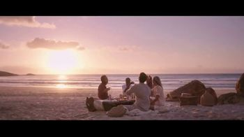 San Pellegrino Essenza TV Spot, 'Picnic: New Flavor'
