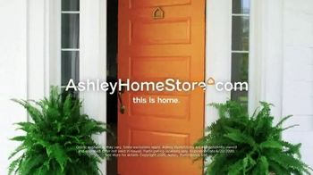 Ashley HomeStore Stars and Stripes Event TV Spot, 'Dining Tables' - Thumbnail 9