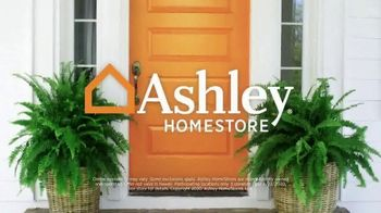 Ashley HomeStore Stars and Stripes Event TV Spot, 'Dining Tables' - Thumbnail 8