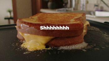 Kraft Singles TV Spot, 'Grilled Cheese O'Clock' - Thumbnail 4
