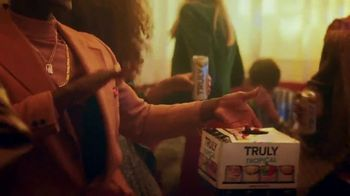 Truly Hard Seltzer TV Spot, 'Let's Roll' Song by Sampa the Great - Thumbnail 5