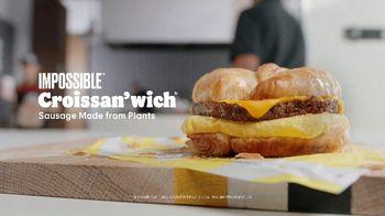 Burger King Impossible Croissan'wich TV Spot, 'Plants' - Thumbnail 9