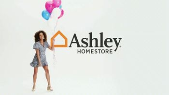 Ashley HomeStore Stars and Stripes Sale TV Spot, 'Up To 50% Off' - Thumbnail 1