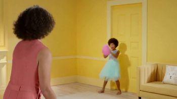 Target TV Spot, 'Regalos para la Pascua: ahorra $10 dólares' canción de LONIS [Spanish] - Thumbnail 4
