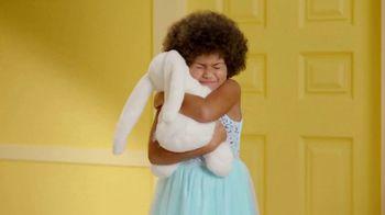 Target TV Spot, 'Regalos para la Pascua: ahorra $10 dólares' canción de LONIS [Spanish] - Thumbnail 5