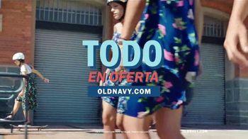 Old Navy TV Spot, 'Ponle ruedas a la primavera' canción de HOLYCHILD [Spanish] - Thumbnail 8