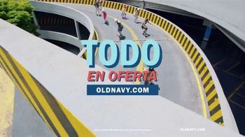 Old Navy TV Spot, 'Ponle ruedas a la primavera' canción de HOLYCHILD [Spanish] - Thumbnail 6