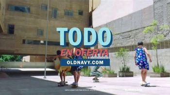 Old Navy TV Spot, 'Ponle ruedas a la primavera' canción de HOLYCHILD [Spanish] - Thumbnail 7
