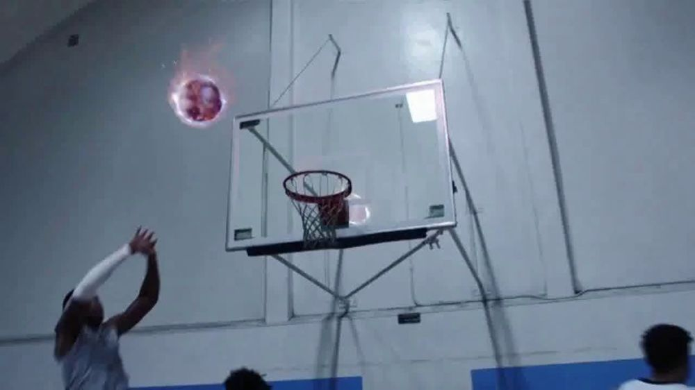 Powerade Power Water TV Commercial, 'Tropical Storm Buckets'