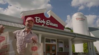 Bob Evans Restaurants 3-Course Family Meal TV Spot, 'Feed a Family of Four' - Thumbnail 4