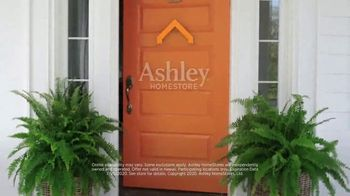 Ashley HomeStore Grand Reopening Event TV Spot, 'Beat the Summer Heat' - Thumbnail 6