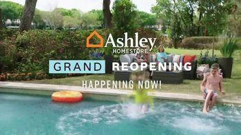 Ashley HomeStore Grand Reopening Event TV Spot, 'Beat the Summer Heat' - Thumbnail 2