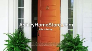 Ashley HomeStore Grand Reopening Event TV Spot, 'Up to 50 Percent Off or No Interest' - Thumbnail 6