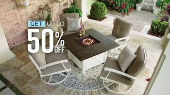 Ashley HomeStore Grand Reopening Event TV Spot, 'Up to 50 Percent Off or No Interest' - Thumbnail 4