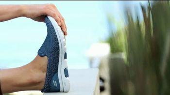 SKECHERS GOwalk TV Spot, 'Tu próximo paseo' [Spanish] - Thumbnail 3