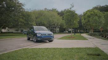 Volkswagen TV Spot, 'Community-Driven Promise: A New Day: Tiguan' [T2] - Thumbnail 4