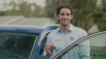 Volkswagen TV Spot, 'Community-Driven Promise: A New Day: Tiguan' [T2] - Thumbnail 6