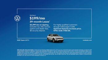 Volkswagen TV Spot, 'Community-Driven Promise: A New Day: Tiguan' [T2] - Thumbnail 7