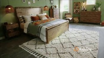 Ashley HomeStore Grand Reopening Event TV Spot, 'Living Room, Dining Room and Bedroom' - Thumbnail 4