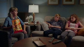 Flamin' Hot Cheetos TV Spot, 'Surprisingly Hot' - Thumbnail 2