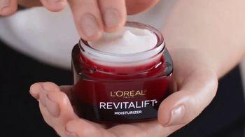 L'Oreal Paris Revitalift Triple Power Moisturizer TV Spot, 'Don't Settle' Featuring Eva Longoria - Thumbnail 6