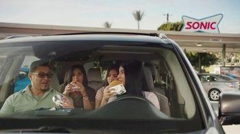 Sonic Drive-In Queso Burger TV Spot, 'Todos los sabores' [Spanish] - Thumbnail 1