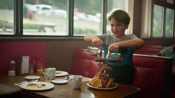 Hyundai Santa Fe TV Spot, 'Dad, Look' Song by Cayucas [T1] - Thumbnail 4