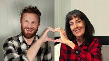 Target TV Spot, 'Nuestro corazón es de mamá' con Bobby Berk [Spanish] - 344 commercial airings