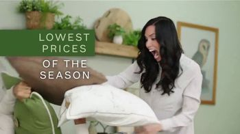 Ashley HomeStore Lowest Prices of the Season TV Spot, 'Beds, Outdoor Sets and More' - Thumbnail 4