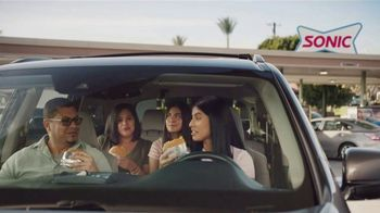 Sonic Drive-In Queso Burger TV Spot, 'Mucho queso' [Spanish] - Thumbnail 3