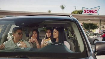 Sonic Drive-In Queso Burger TV Spot, 'Mucho queso' [Spanish] - Thumbnail 4