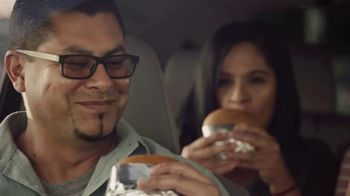 Sonic Drive-In Queso Burger TV Spot, 'Mucho queso' [Spanish] - Thumbnail 5