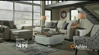 Ashley HomeStore Memorial Day Sale TV Spot, 'Up to 50 Percent Off: Sofa, Dining Set and Doorbusters' - Thumbnail 5