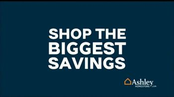 Ashley HomeStore Memorial Day Sale TV Spot, 'Up to 50 Percent Off: Sofa, Dining Set and Doorbusters' - Thumbnail 9