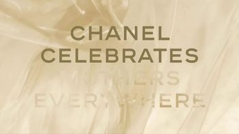 Chanel Gabrielle Essence TV Spot, 'Mother's Day' Featuring Margot Robbie, Song by Beyoncé - Thumbnail 2