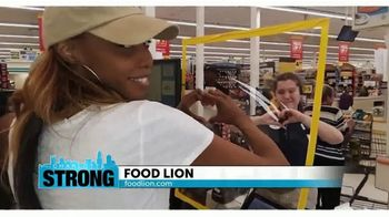 Food Lion, LLC TV Spot, 'Thanking Our Charlotte Neighbors' - Thumbnail 2