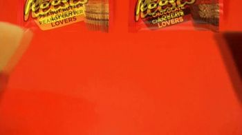 Reese's Peanut Butter Lovers and Chocolate Lovers Cups TV Spot, 'They're Back' - Thumbnail 9