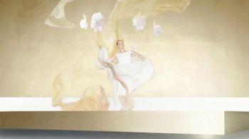Chanel Gabrielle Essence TV Spot, 'Día de la madre' con Margot Robbie, canción de Beyoncé [Spanish] - Thumbnail 4