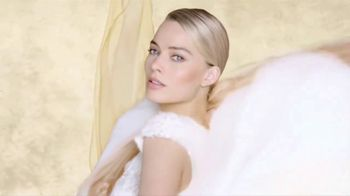 Chanel Gabrielle Essence TV Spot, 'Día de la madre' con Margot Robbie, canción de Beyoncé [Spanish]