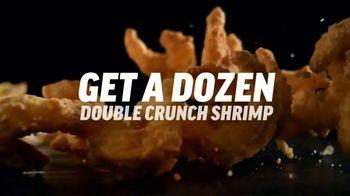 Applebee's $1 Dozen Double Crunch Shrimp TV Spot, 'Feel Good'  Song by James Brown - Thumbnail 5