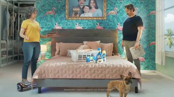 Snuggle SuperCare TV Spot, 'Looking Newer for a Long Time'