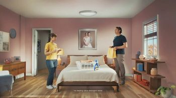 Snuggle SuperCare TV Spot, 'Looking Newer for a Long Time' - Thumbnail 2