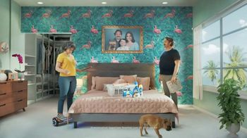 Snuggle SuperCare TV Spot, 'Looking Newer for a Long Time' - Thumbnail 5