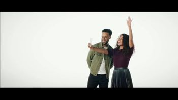 Verizon TV Spot, 'Unlimited Built Right: Apple Music, Two iPhone 11, $250 Switcher' - Thumbnail 10