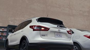 2020 Nissan Rogue Sport TV Spot, 'Moving In' Song by PRTY ANML [T2] - Thumbnail 4