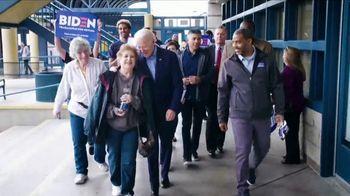 Biden for President TV Spot, 'Hombre de bien' [Spanish] - Thumbnail 4