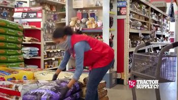 Tractor Supply Co. Pet Appreciation Week TV Spot, 'Bandit' - Thumbnail 5
