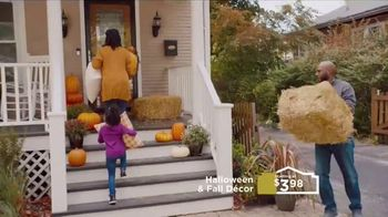 Lowe's TV Spot, 'Bring on Fall' - Thumbnail 4