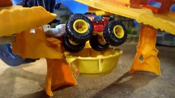 Hot Wheels Monster Trucks Scorpion Sting Raceway TV Spot, 'So Long Scorpion'